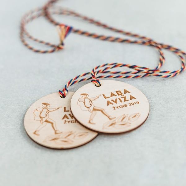 Mediniai medaliai iš faneros Laba aviža žygio dalyviams
