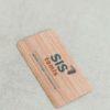 Medinė vizitinė kortelė su spalvota spauda