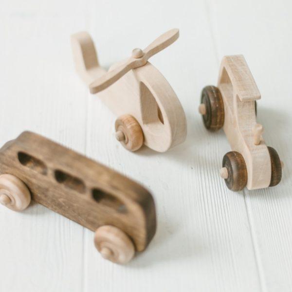 Įvairūs mediniai žaislai